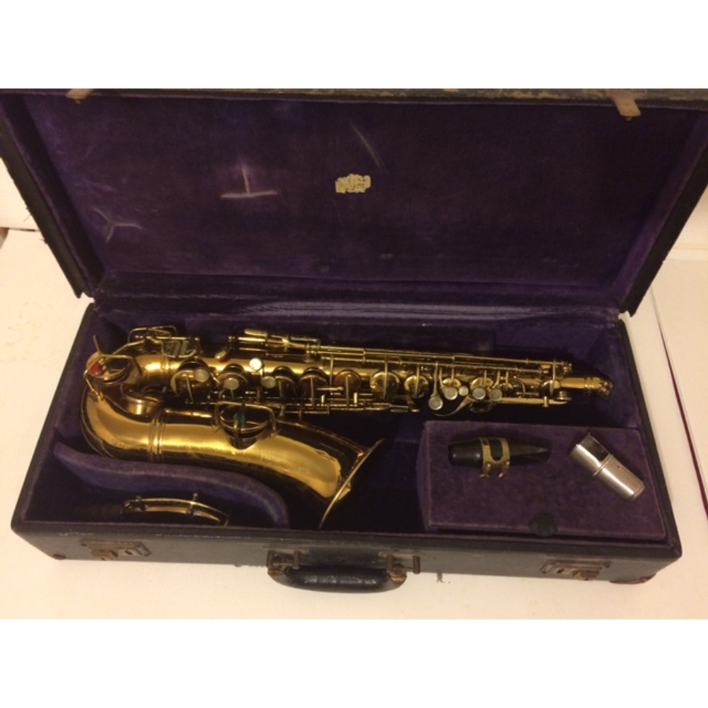 Conn Alto Circa 1969 Gold Lacquer****SOLD****